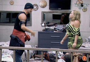 Diogo esquenta e Discute com Paula no BBB