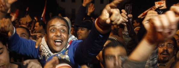 Mubarak Renúncia a Presidência do Egito