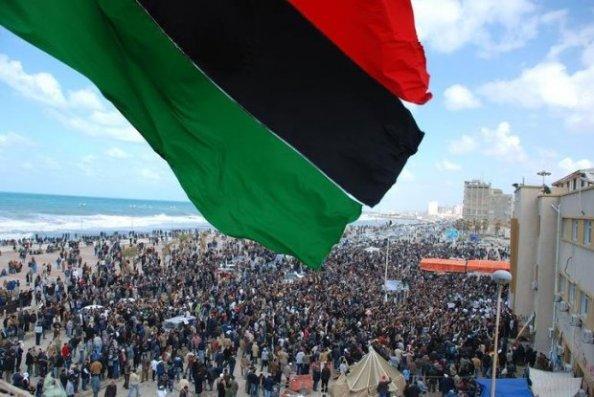 Manifestantes na Líbia