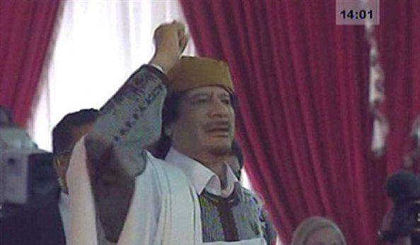 Kadafi Promete 'Enfiar Dedo nos Olhos' dos Inimigos